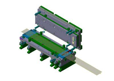 Dimensioni: 1450 x 600 H=600<br /> Tipo stampo: tranciatura testacoda versionabile (n° passi: 2)<br /> Tipo lamiera: DC04 ZN – Spessore 10/10<br />